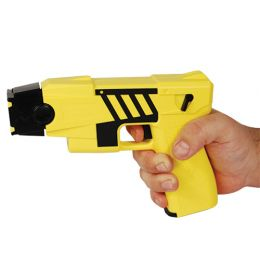 Taser M26C Kit, M26C yellow with black labels, 4 live cartridges, and practice target.
